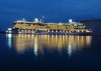 cruise-ship-108973_1920